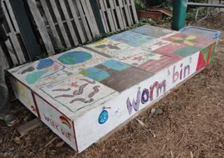 worm bin